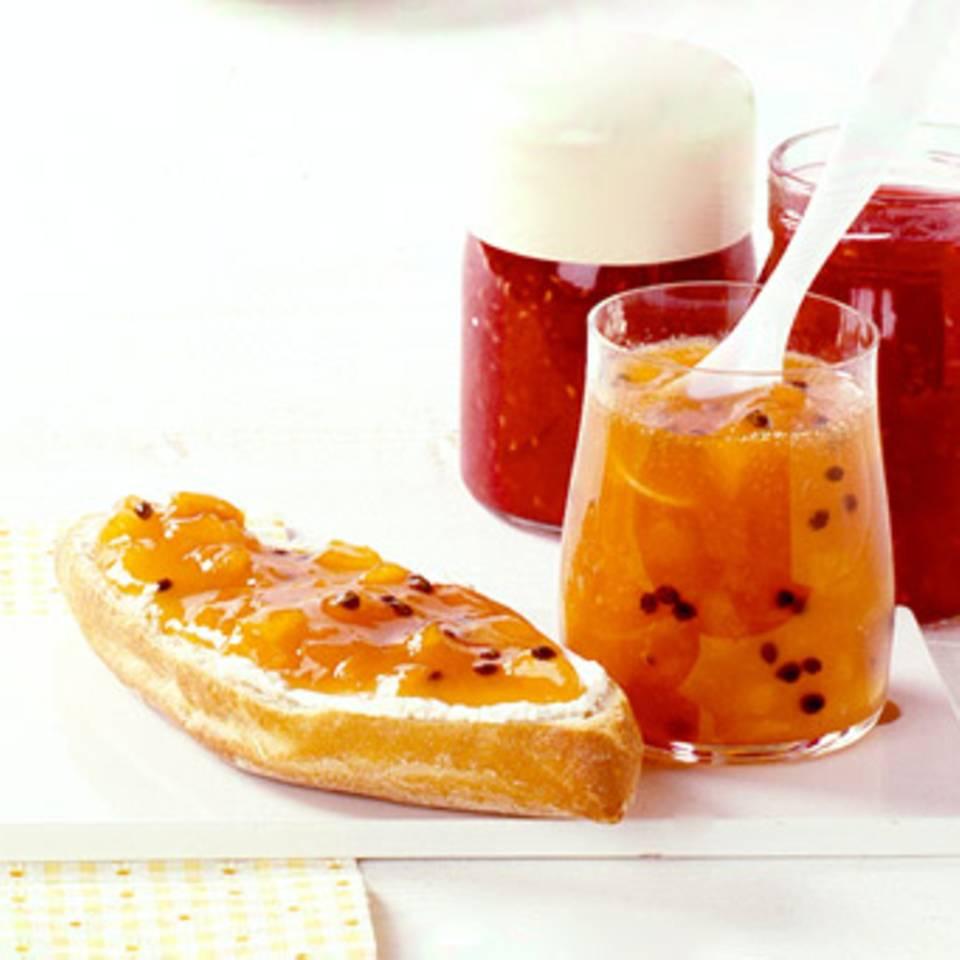 Aprikose mit Himbeeren Rezept