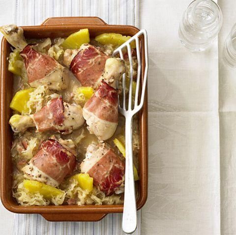 Hähnchenkeulen auf Sauerkraut