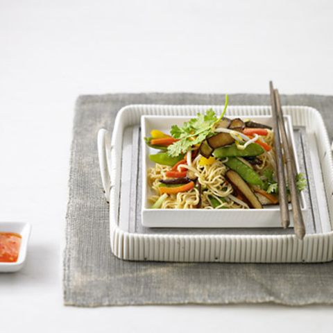Asianudeln mit Gemüse