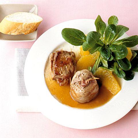 Schweinemedallions mit Orangen-Feldsalat