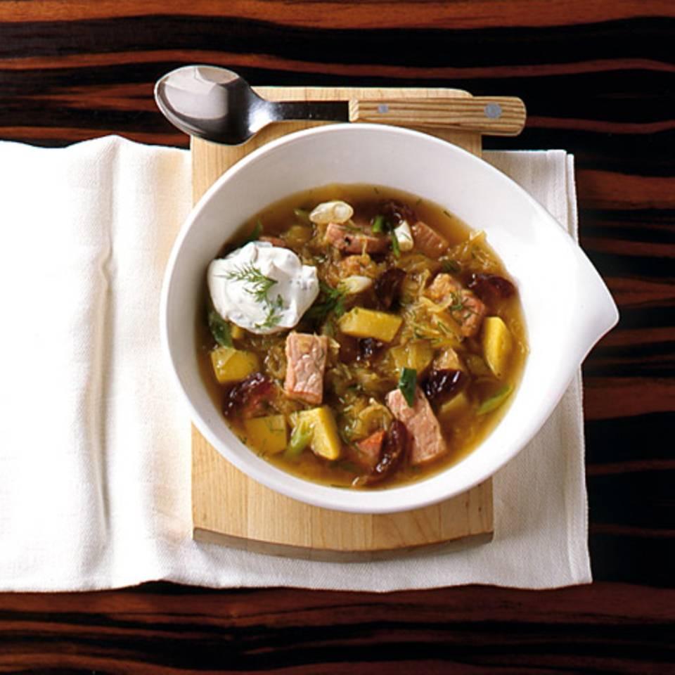 Sauerkrauteintopf mit Datteln Rezept