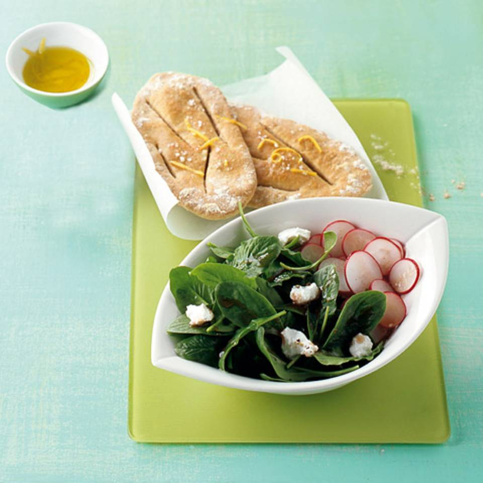 Spinatsalat mit Fladenbrot Rezept
