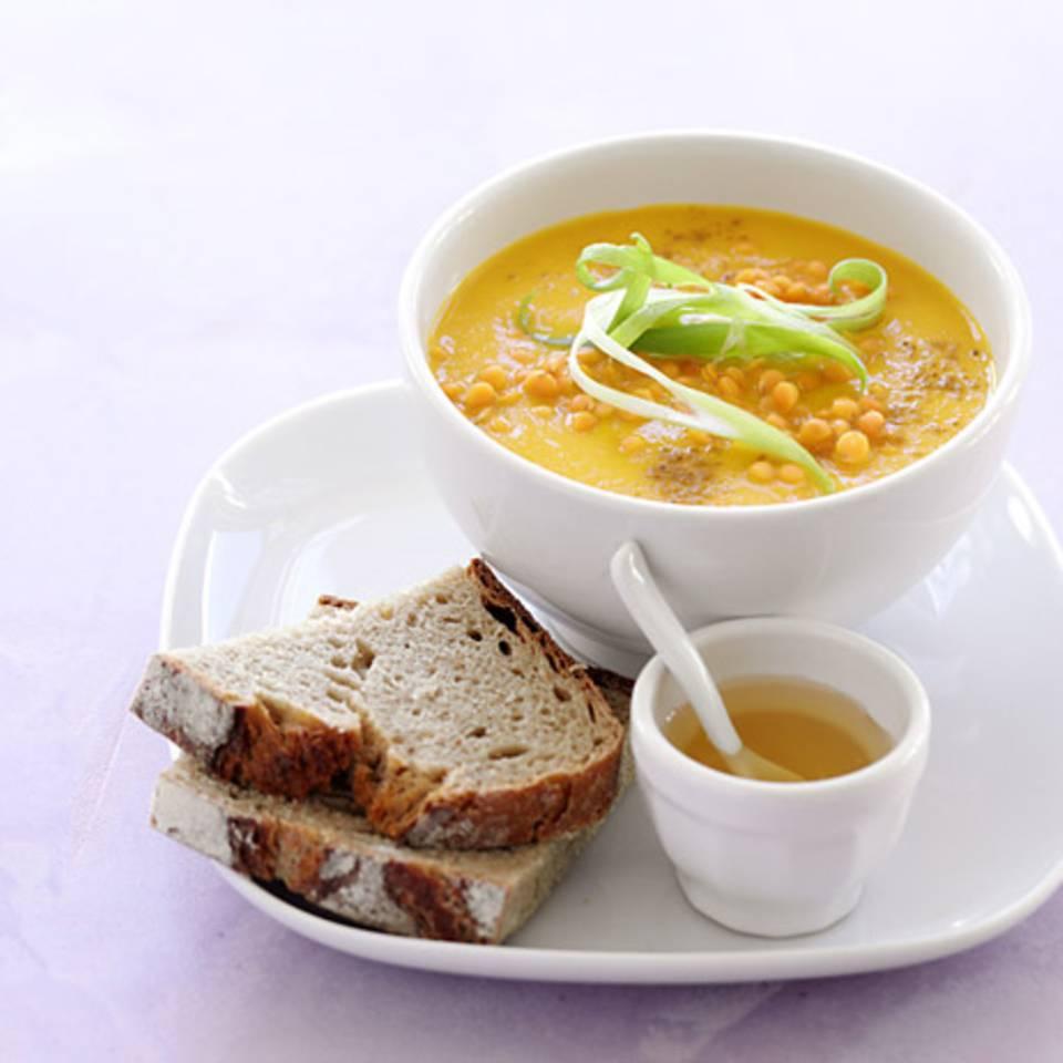 Möhren-Orangen-Suppe mit Honig Rezept