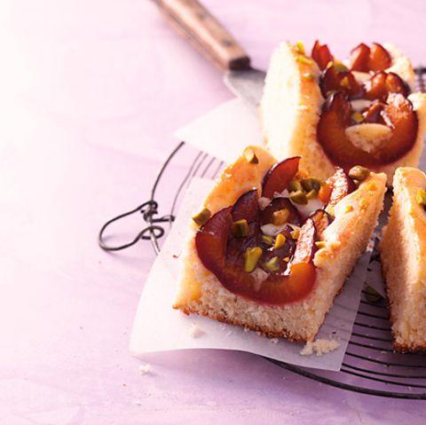 Zwetschgenkuchen mit Pistazien