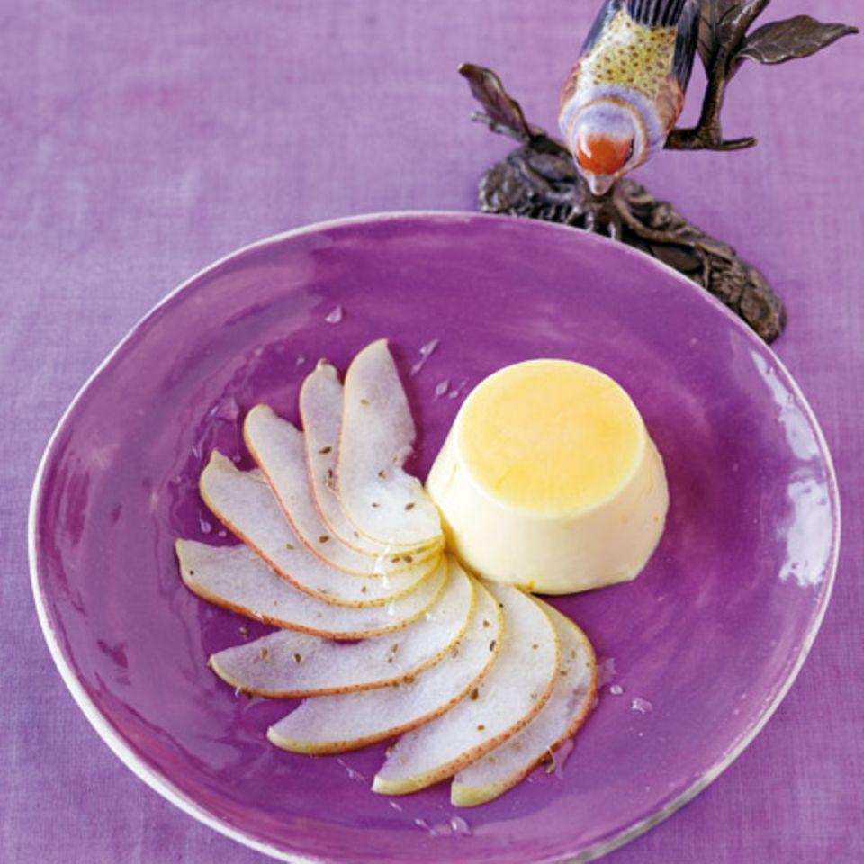 Safran-Parfait auf Birnen-Carpaccio