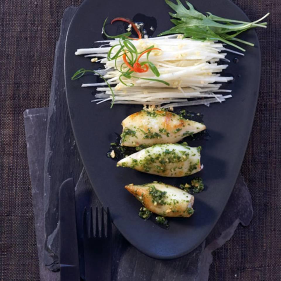 Schwarzer Rettich-Salat mit Calamari Rezept