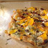 Kürbis-Gorgonzola-Flammkuchen