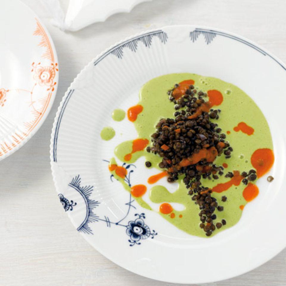Saure Linsen mit Dattel-Chorizo-Creme