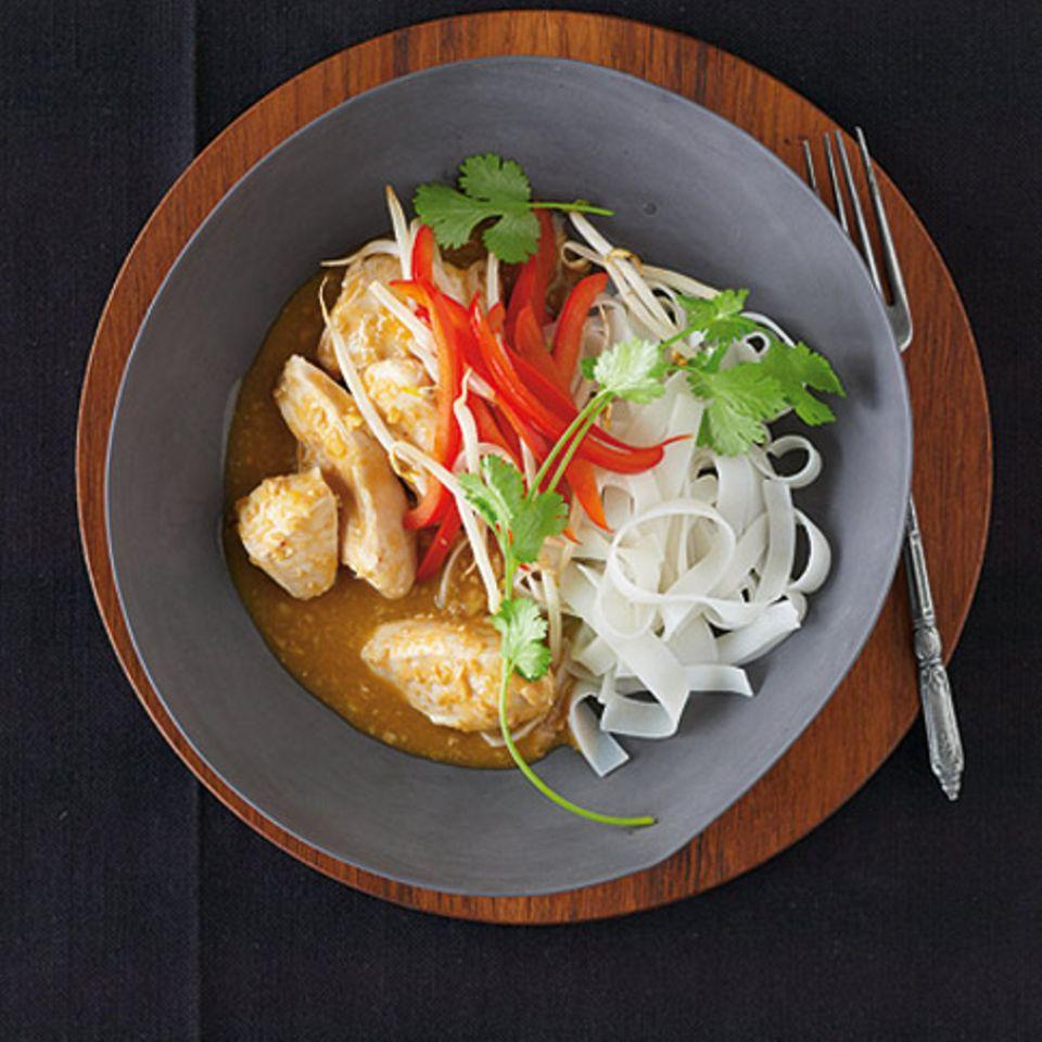 Chicken-Curry in Erdnusssauce