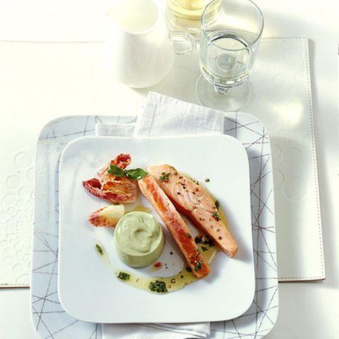 Gebeizter Lachs mit Avocado-Mousse