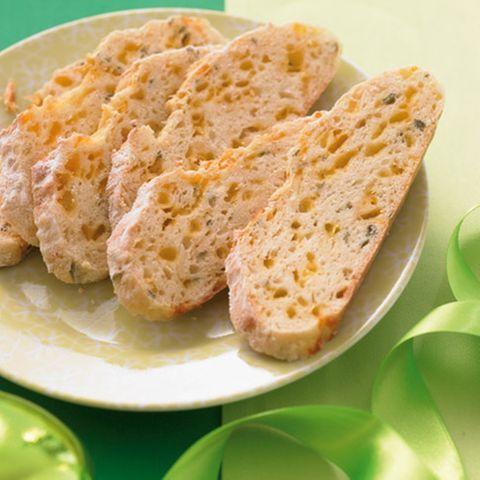 Pastinaken-Cheddar-Brot