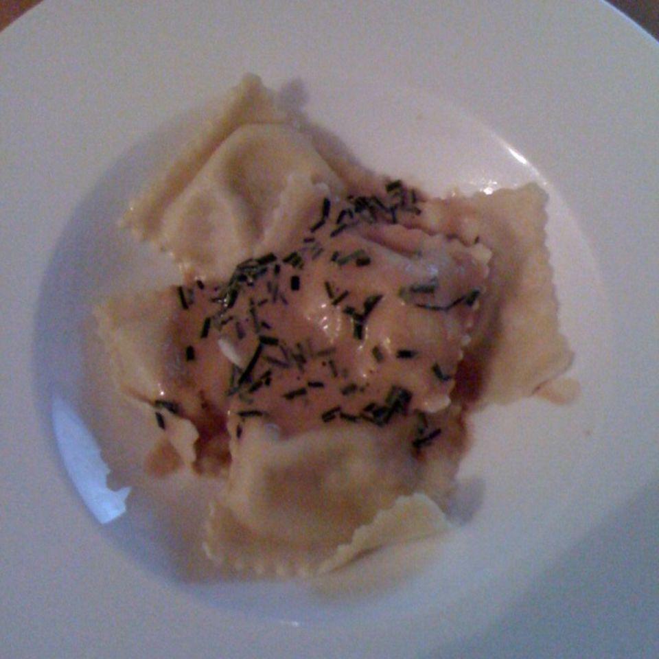 Ravioli mit Steinpilz-Ricotta-Füllung