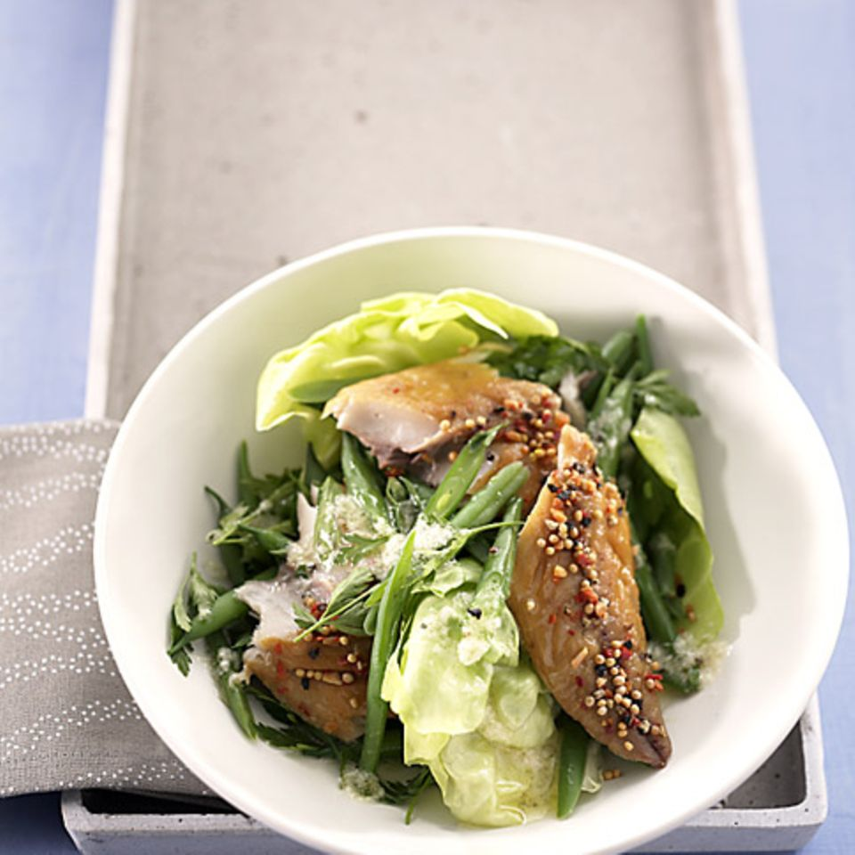 Salat mit Räucherfisch
