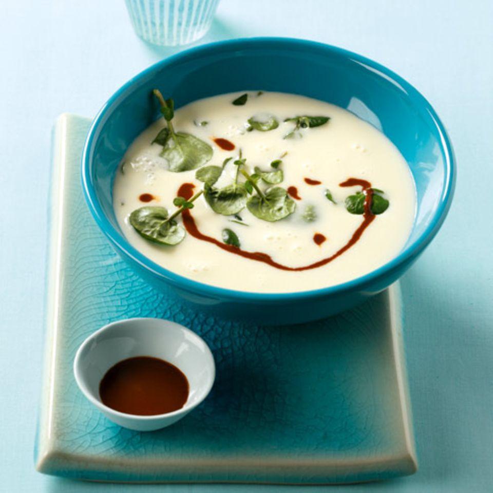 Brunnenkresse-Suppe mit Mole