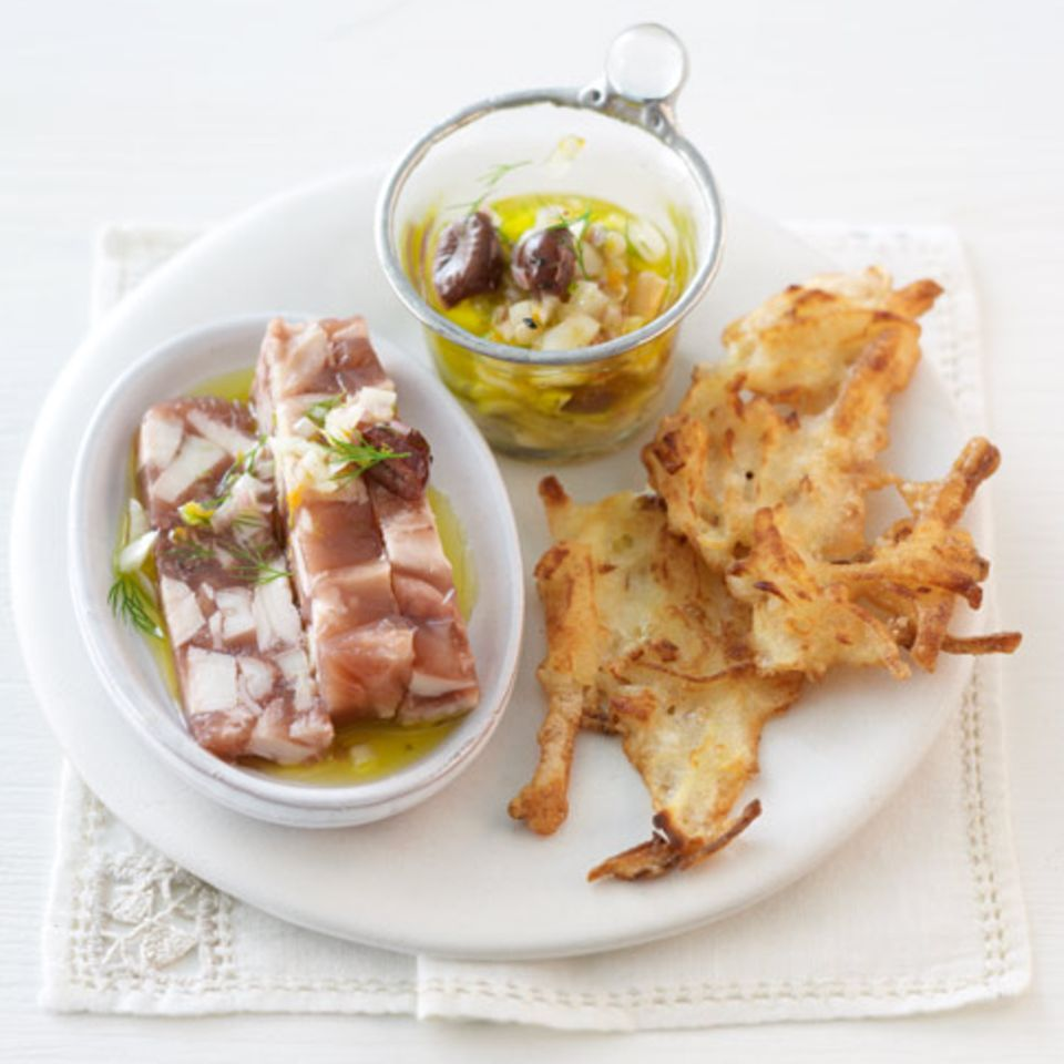 Pulpo-Sülze mit Fenchel-Vinaigrette und Tortilla-Fritters