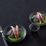 Schwarzer Reis mit Ibérico-Rücken