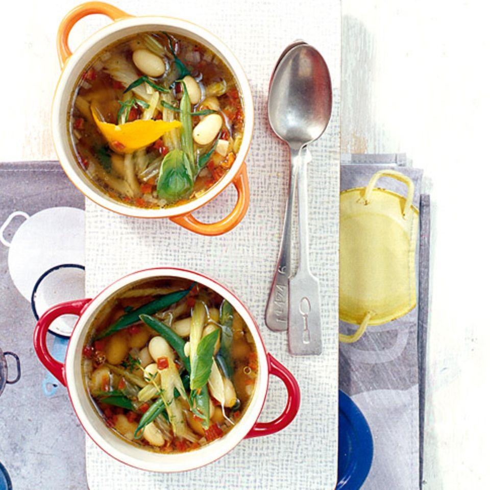 Klare Palbohnensuppe