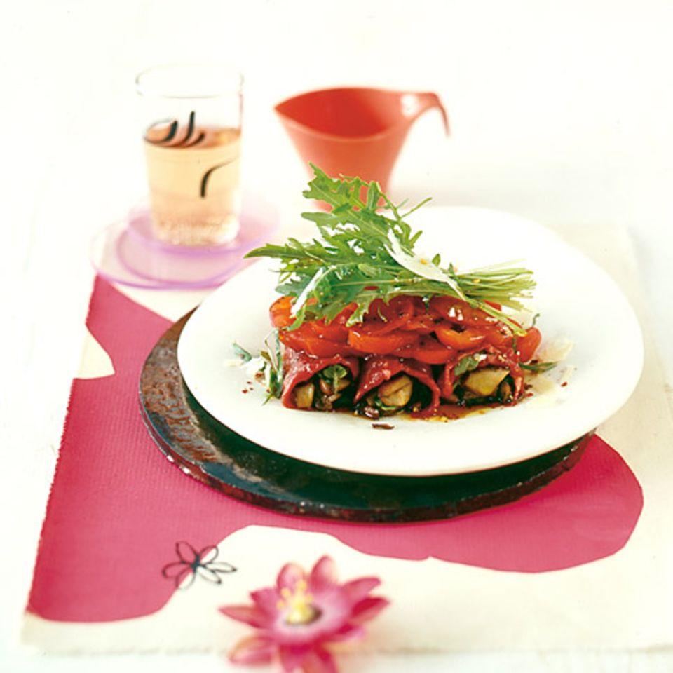Rinderfilet-Involtini mit Tomatensalat