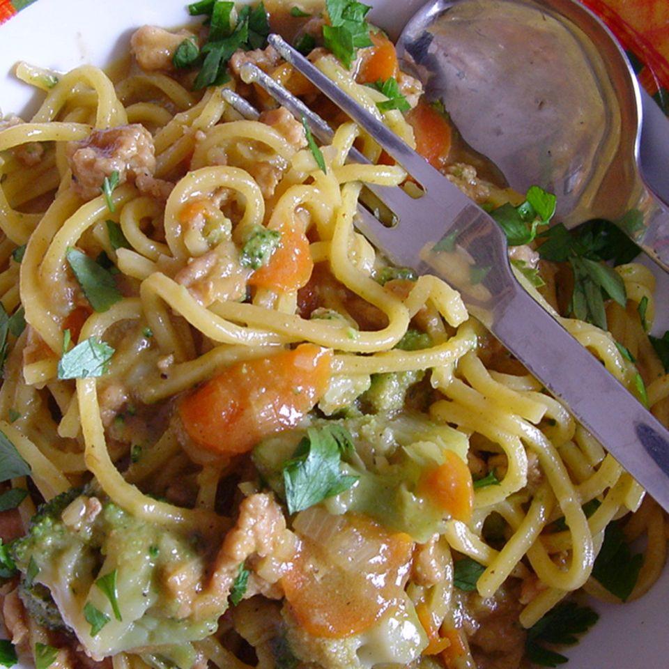 Angi's Curry-Geflügelhack mit frischen Spaghetti