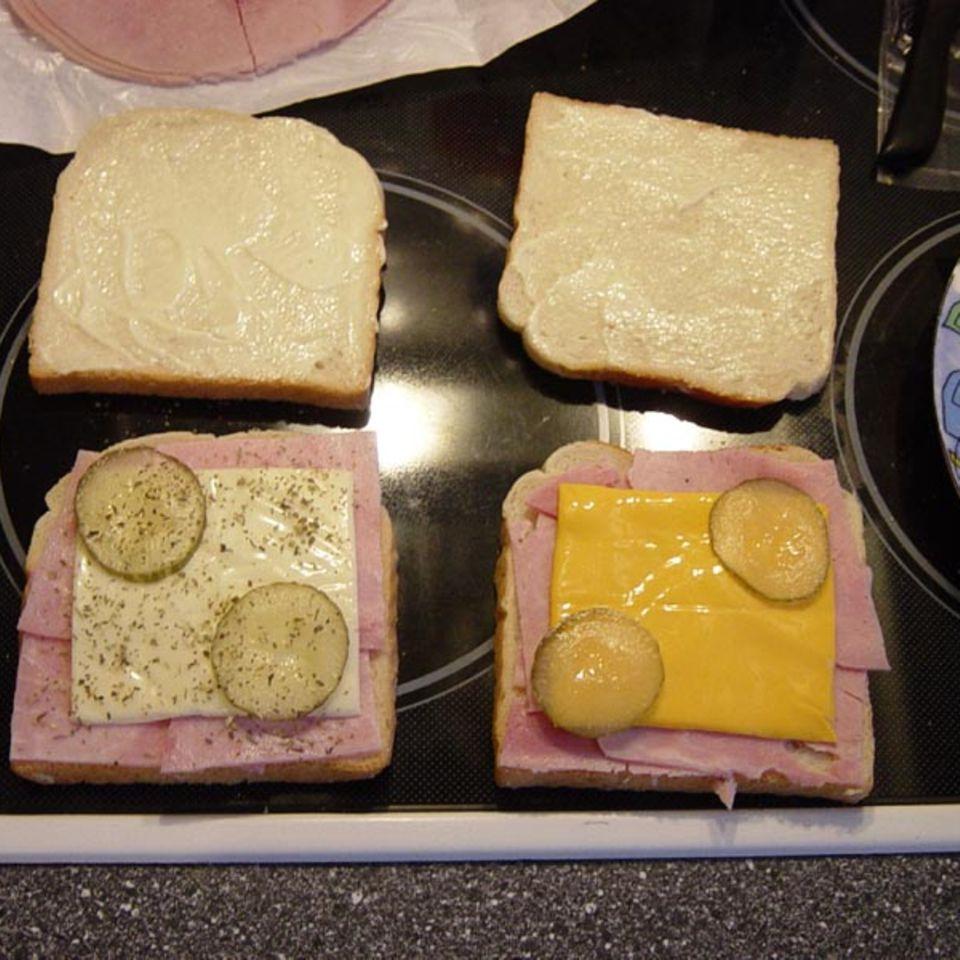 Sandwiches mit Gurken und Majo