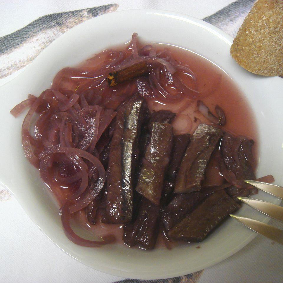 Eingelegte Rotwein Matjes