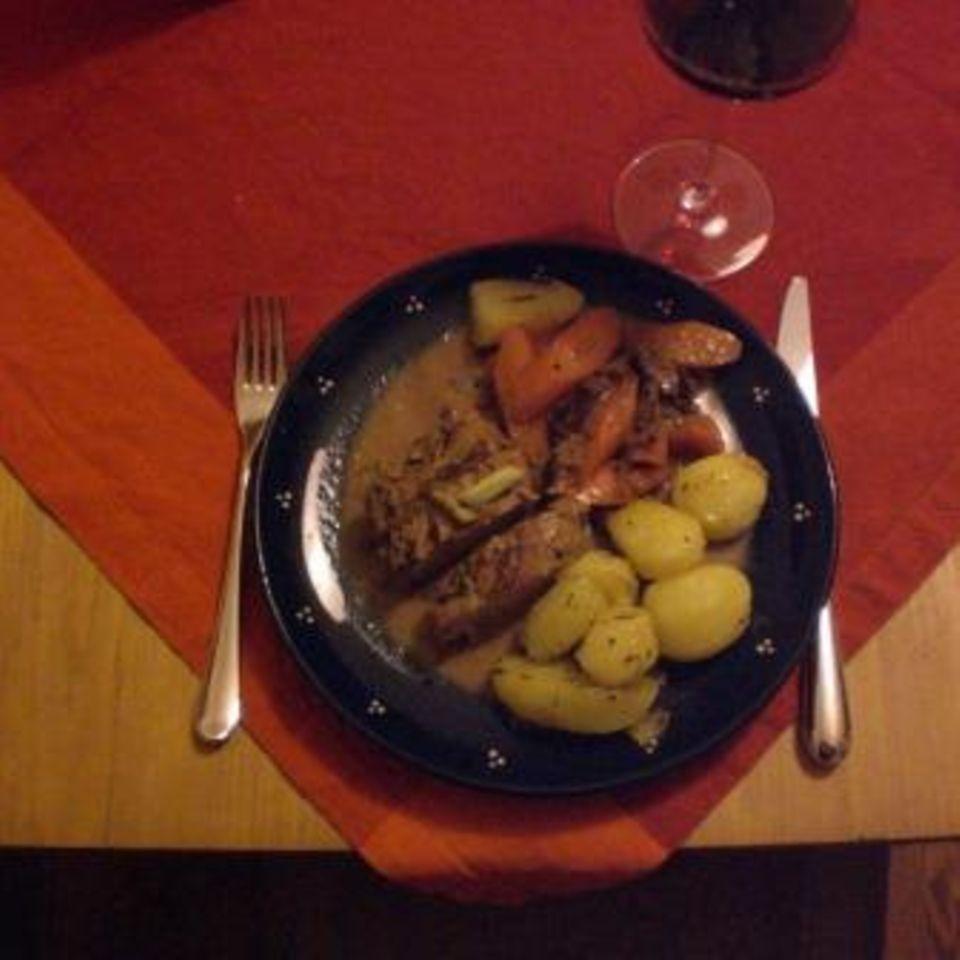 Schweinefilet mit Feigensenf-Honig-Kruste in Feigen-Portwein-Sauce