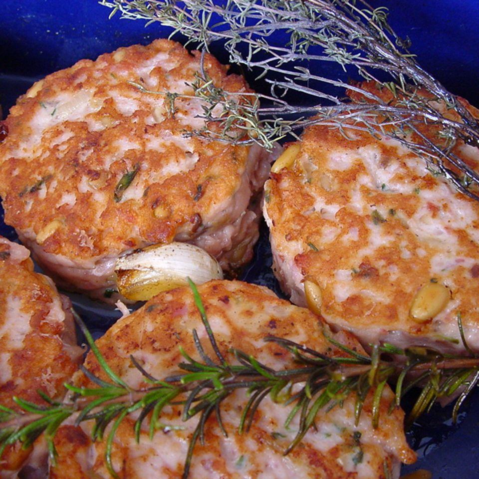 Angi's Geflügelbuletten mit Mozzarella gefüllt, etwas frei nach Johann L.