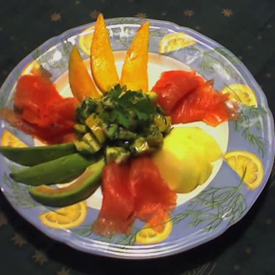 Avocadosalat mit Räucherlachs