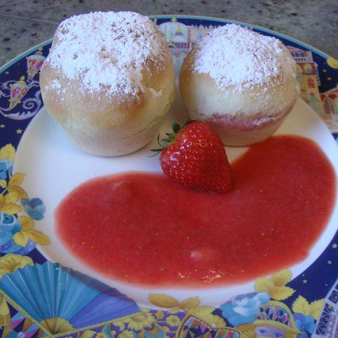 Gefüllte Erdbeermuffins