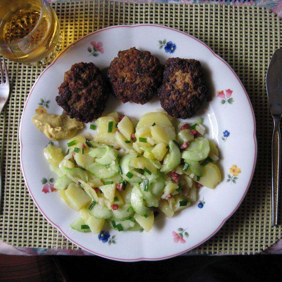 Reinhard´s Kartoffelsalat mit Buletten