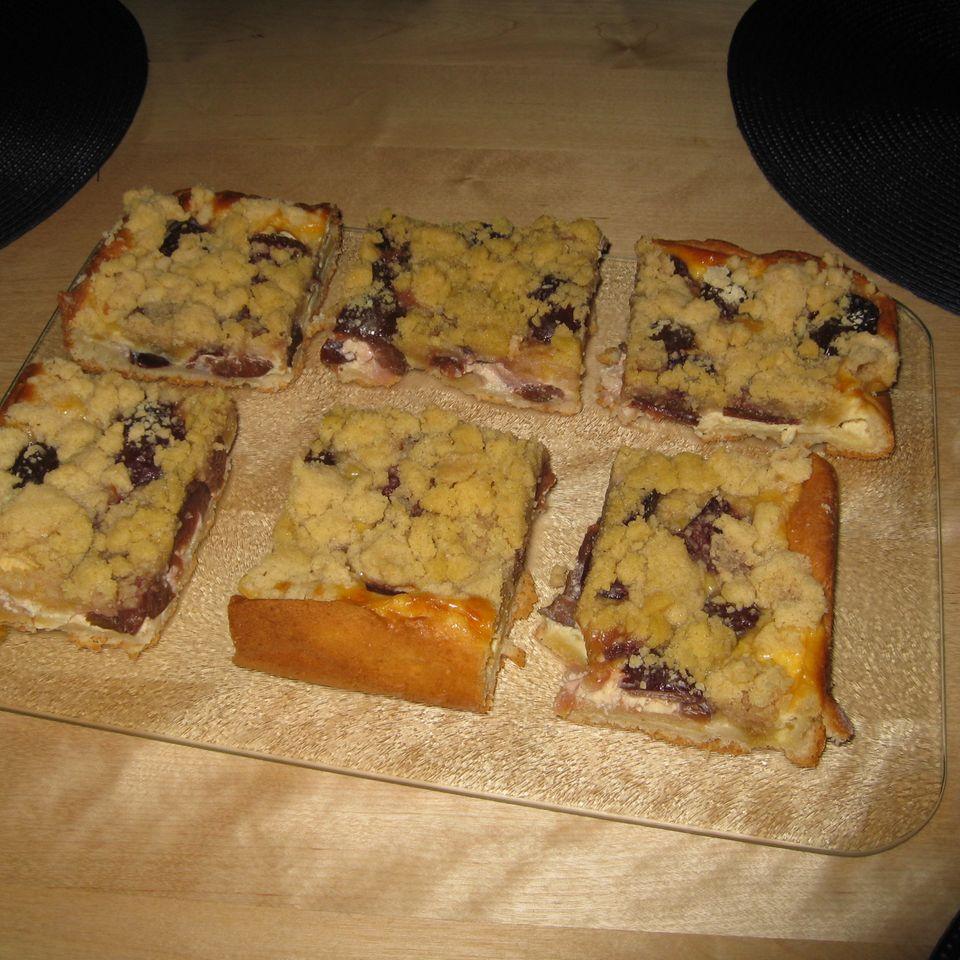 Apfel-Pflaumenkuchen mit Zimtstreuseln