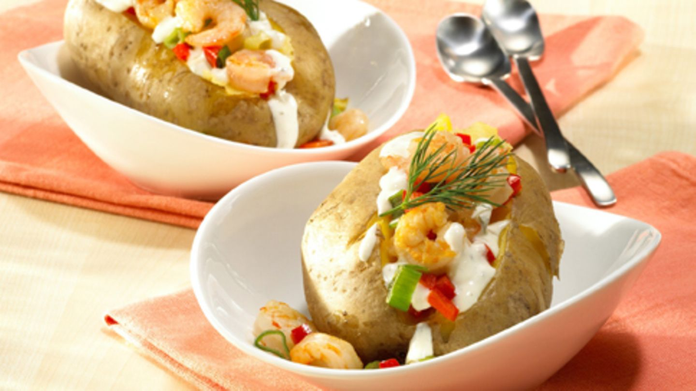 Baked Potatoes mit Knoblauch Garnelen Rezept