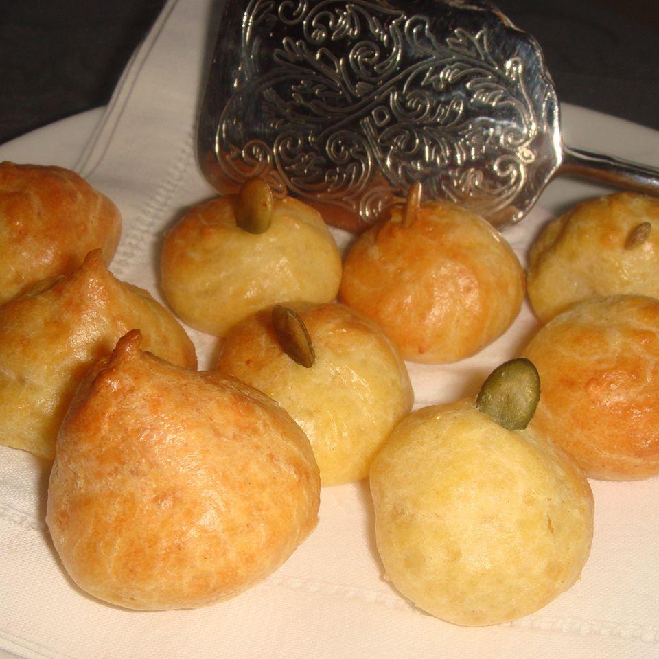 Französische Käsewindbeutel (Gougères)