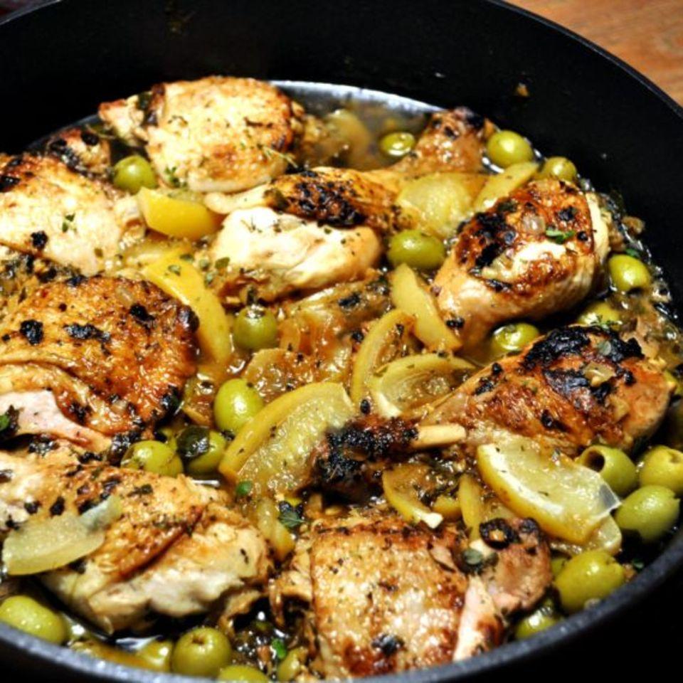 Hühner-Tajine mit grünen Oliven und Salzzitronen