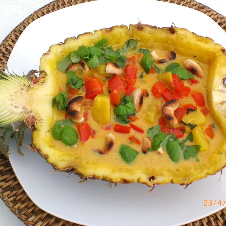 Ananas-Paprika-Curry in Kokosmilch