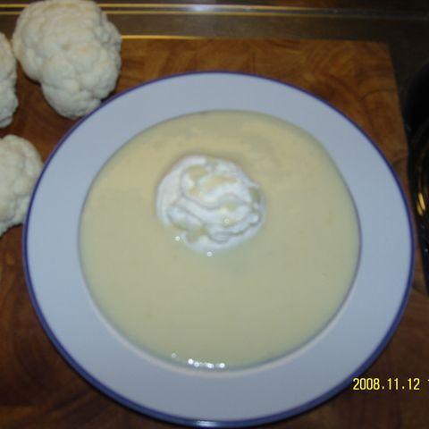 Blumenkohl-Käsesuppe