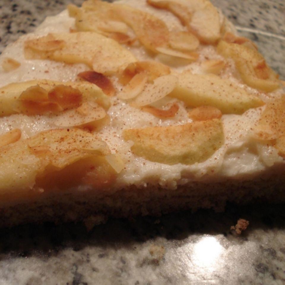 Apfel-Pudding-Biskuit-Kuchen