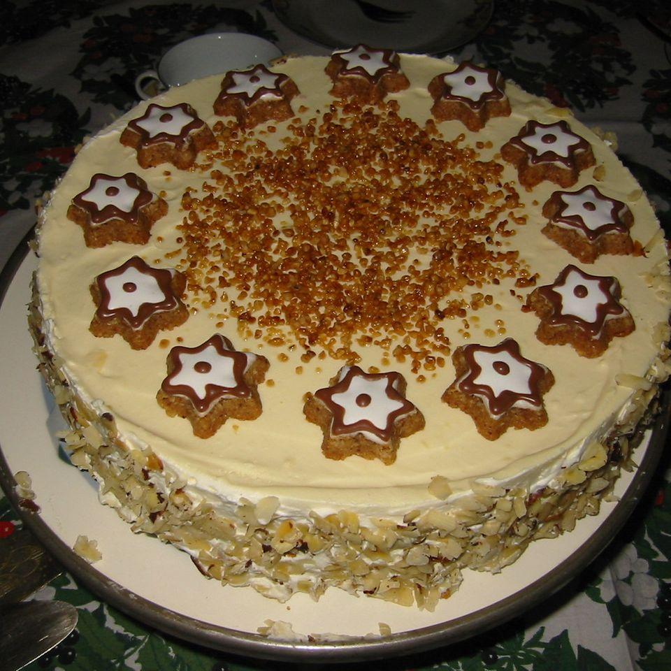 Sterntaler-Torte mit Vanillesahne