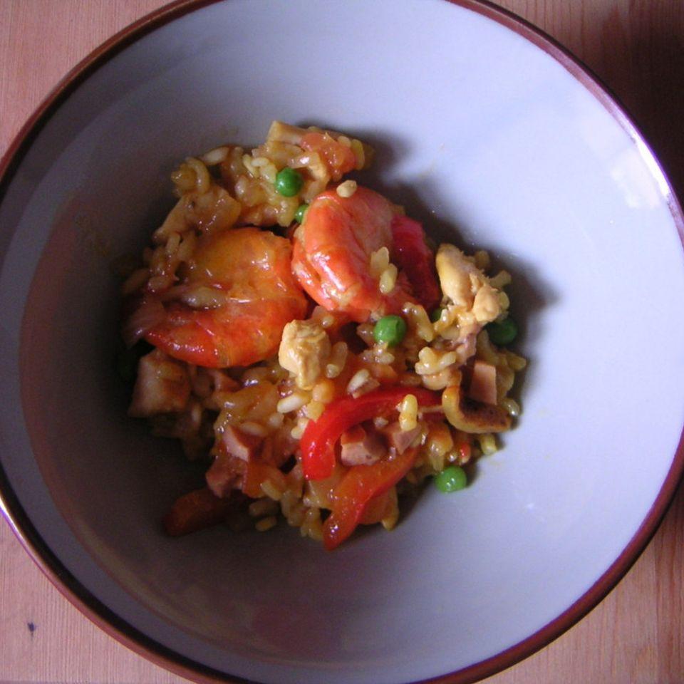 Paella mit Huhn, Chorizo und Riesengarnelen