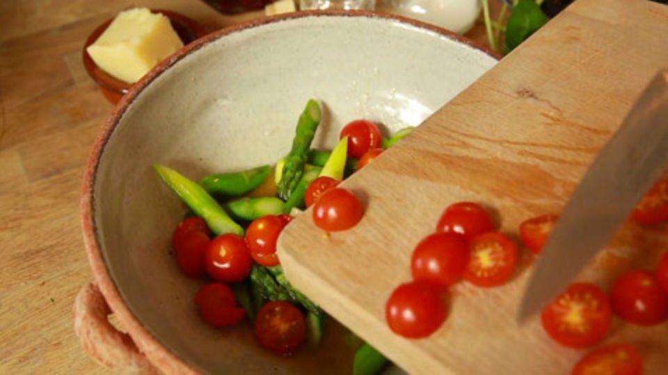 Spargelsalat klassisch zubereiten