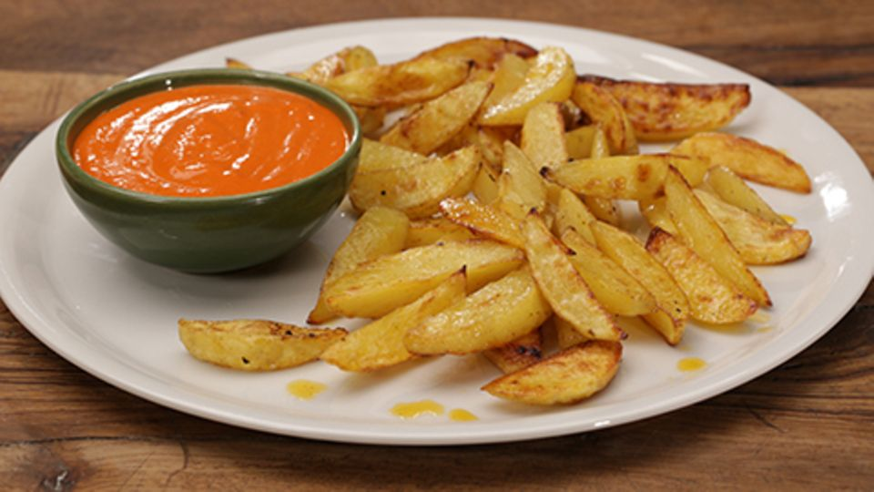 Mojo rojo zu Kartoffelspalten