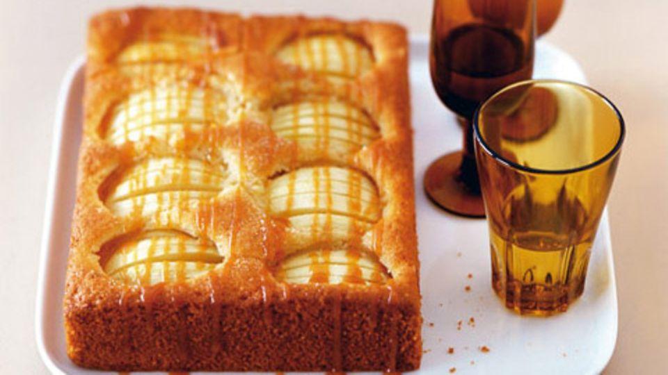 Apfelkuchen mit Toffeesirup
