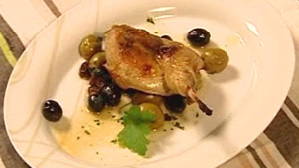 Wachteln mit Oliven und Rosinen