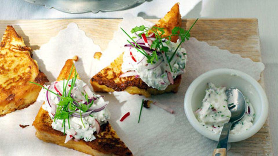 Kräuter-Ricotta mit French Toast