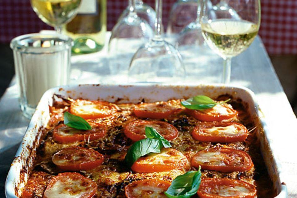 Auberginen-Tomaten-Auflauf mit Mozzarella