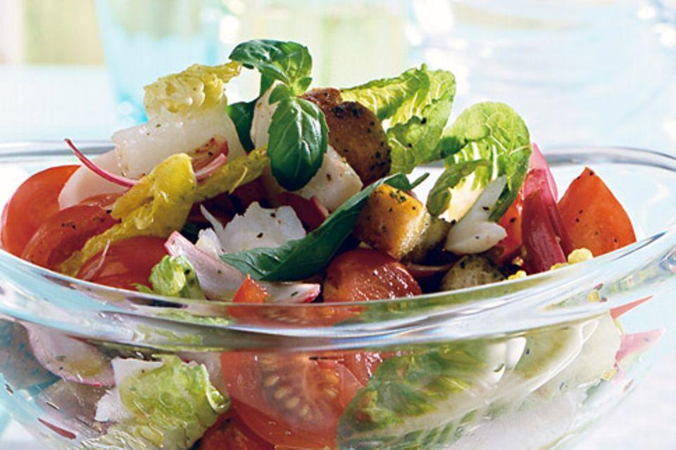 Tomaten-Brot-Salat mit Kabeljau