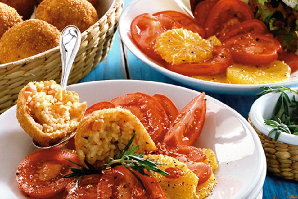 Arancini mit Tomaten-Orangen-Salat