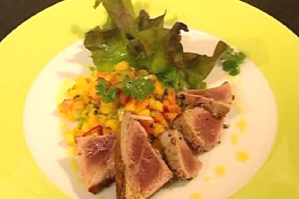 Eichblattsalat mit gepfeffertem Thunfisch