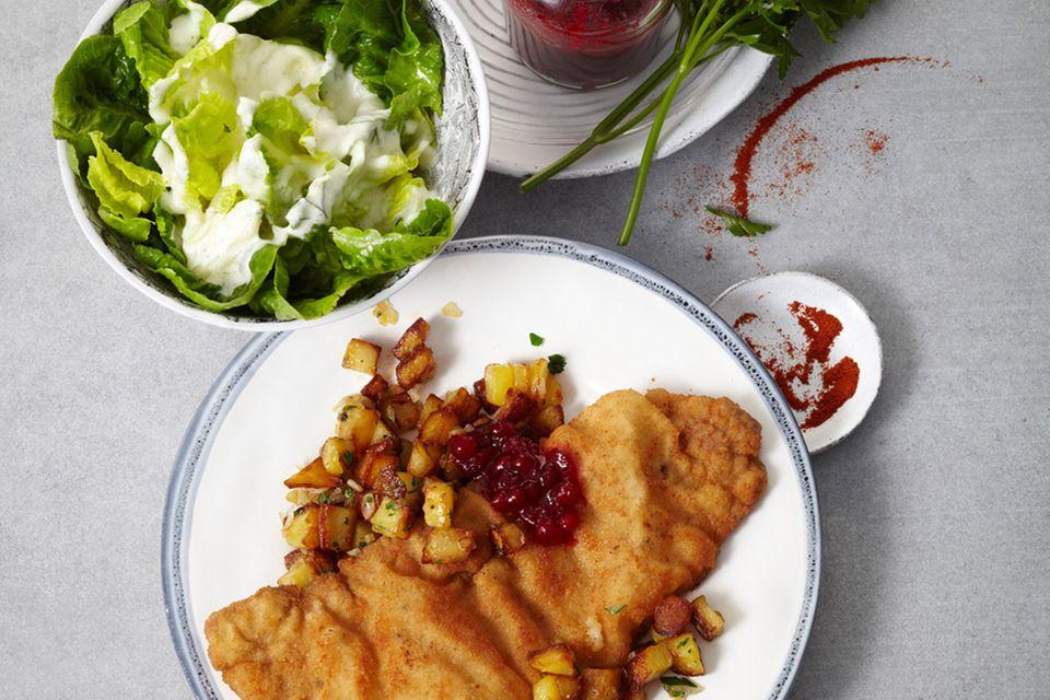 Schnitzel mit schnellen Bratkartoffeln