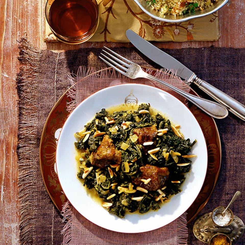 Grünkohl-Curry mit Couscous und Datteln